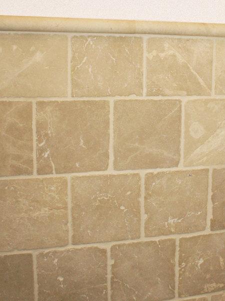 Badkamer wandtegels beige marmer 20x20 cm natuursteen marktgigant - Badkamer beige en bruin ...