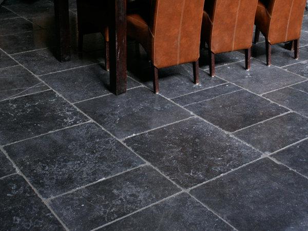 hardsteen belgisch Antique tegels 60x60x1,5 cm verouderd