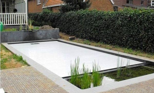 Pool side zwembaden gebouwd met sierbeton marktgigant for Prijzen zwembaden geplaatst